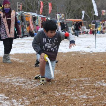 雪にも負けず、肉よりチャンバラ!|花フェスタ冬の陣